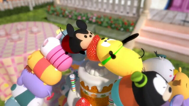 File:Tsum mickey and tsum pluto fighting over the strawberry.jpg