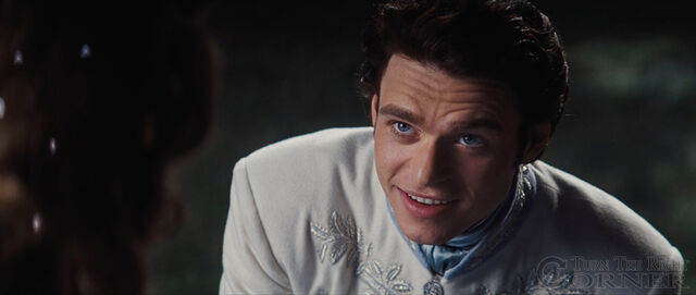 File:Cinderella-movie-2015-screenshot-prince-charming-kit-richard-madden-8.jpg