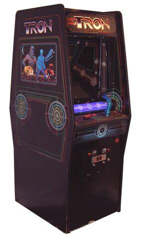File:Tron (Arcade Game).jpg