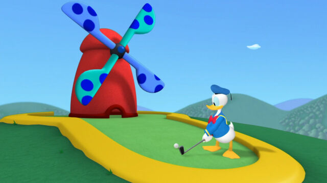 File:Donald does golf.jpg