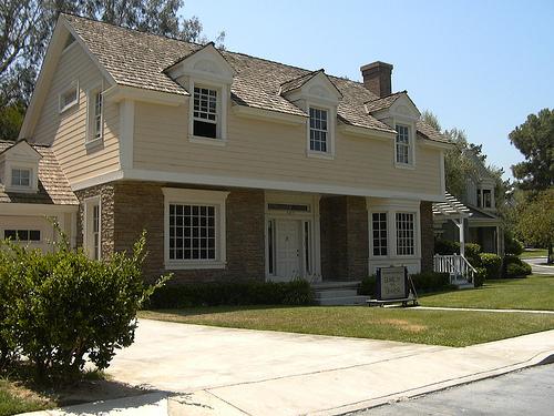 File:Beaver House 2003.jpg