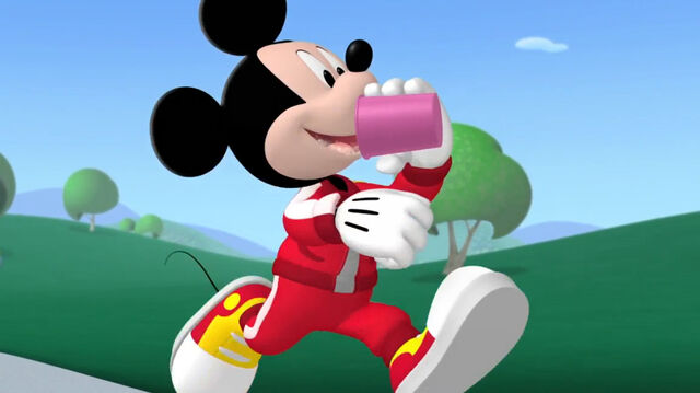File:Mickey drinking while running.jpg