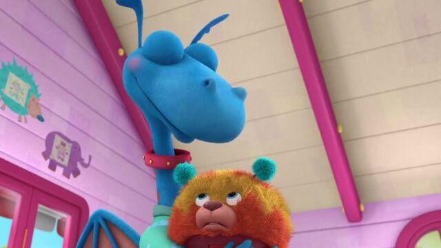 File:Doc-McStuffins-Season-3-Episode-14-Fetchin--Findo--A-Dragon-s-Best-Friend.jpg