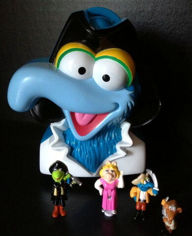 File:Bluebird toys uk polly pocket muppet treasure island pirate gonzo head toy set 1.jpg