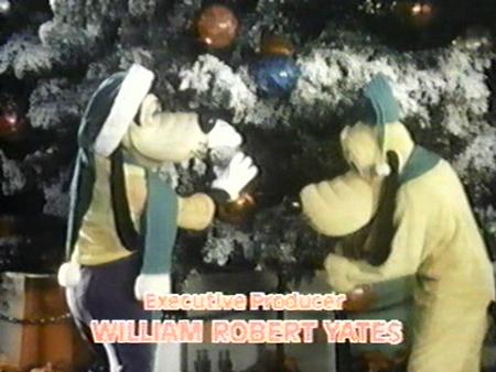 File:A-disney-christmas-gift-1.jpg