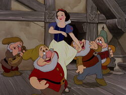 Snow-white-disneyscreencaps.com-6281