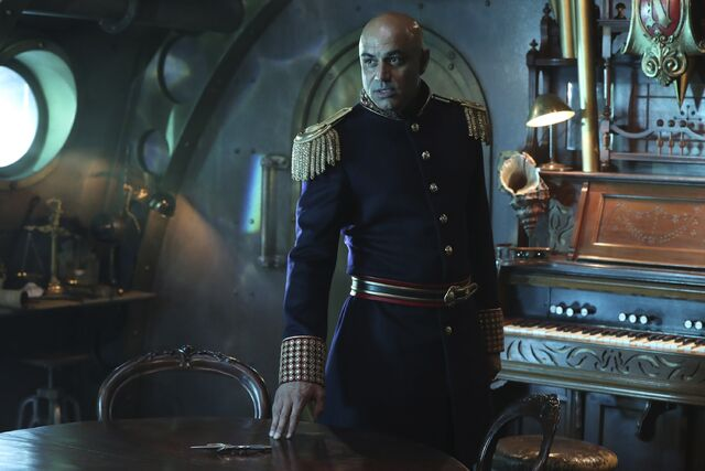File:Once Upon a Time - 6x06 - Dark Waters - Photgraphy - Captain Nemo.jpg