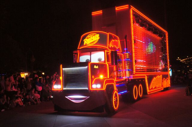 File:Mack Paint the Night.JPG