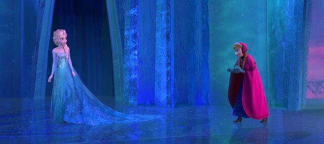 File:Frozen anna and elsa3.jpg