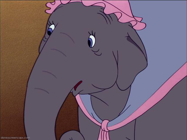 File:Dumbo-disneyscreencaps com-663.jpg