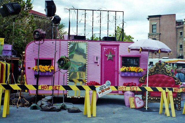 File:Piggy's trailer.jpg