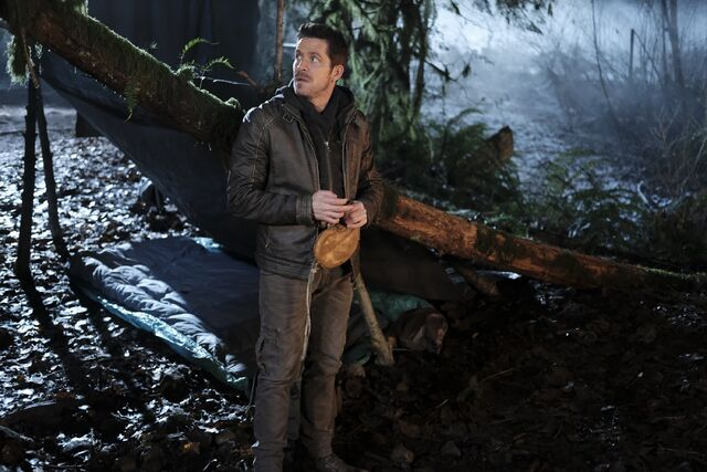 File:Once Upon a Time - 6x13 - Ill-Boding Patterns - Photography - Robin of Locksley.jpg