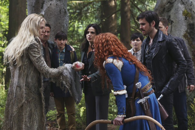 File:Emma holding Merida's Heart - The Dark Swan.jpg