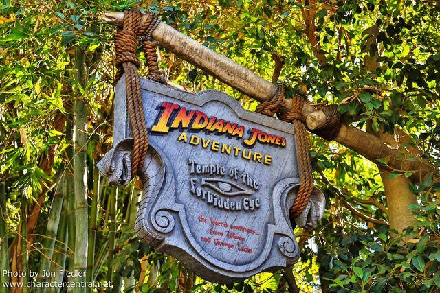 File:Indiana jones Disneyland.jpg