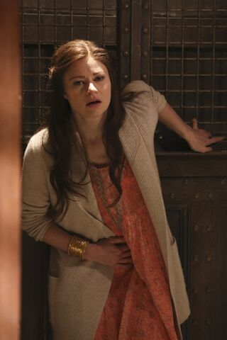 File:Once Upon a Time - 6x09 - Changelings - Photography - Belle 7.jpg