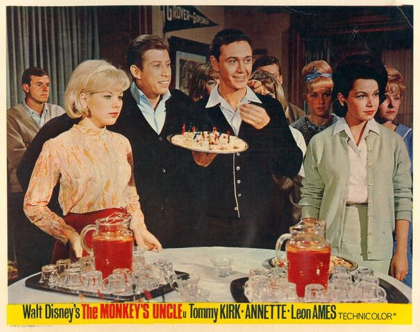 File:Annette-funicello-tommy-kirk-lobby-card-e1438947460485.jpg