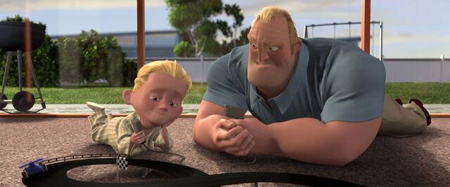 File:Incredibles-disneyscreencaps.com-4920.jpg