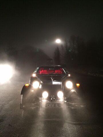 File:Cruella's car OUAT 4.jpg