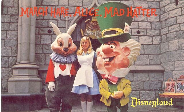 File:Disneyland postcard d-16 640.jpg