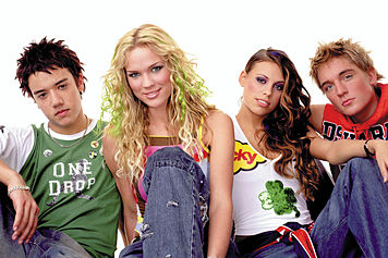 File:A Teens members.jpg