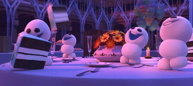 File:Frozen-fever-disneyscreencaps com-764.jpg