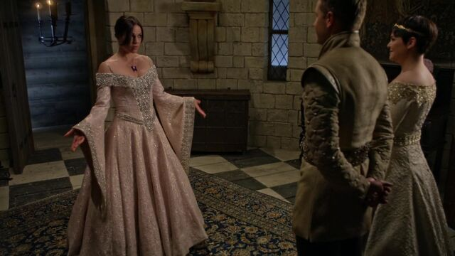 File:Once Upon a Time - 5x02 - The Price - White Dress.jpg
