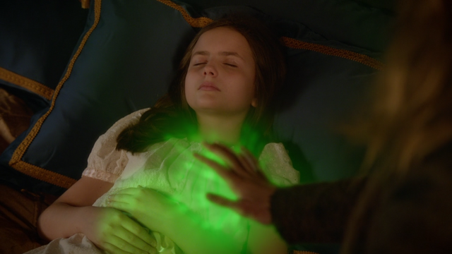 File:Once Upon a Time - 5x19 - Sisters - Zelena Heals Regina 2.png