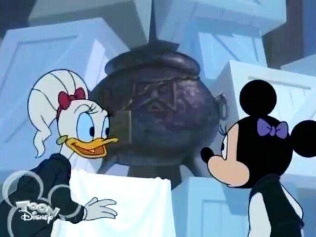 File:Minnie Daisy Black Cauldron.jpg