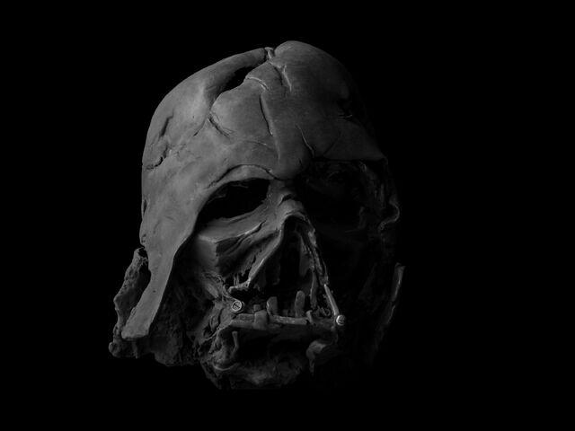 File:Vader-helmet-propshop.jpg