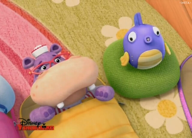 File:Hallie and squeakers at sleepover.jpg