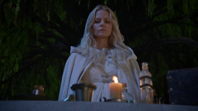 File:Once Upon a Time - 5x05 - Dreamcatcher - Potion Making.jpg