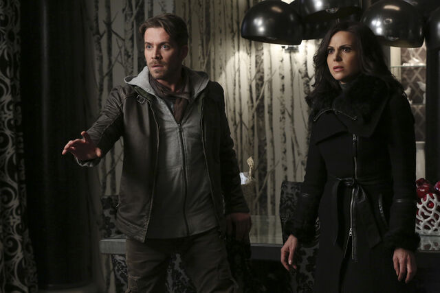 File:Once Upon a Time - 5x21 - Last Rites - Released Images - Robin and Regina 2.jpg