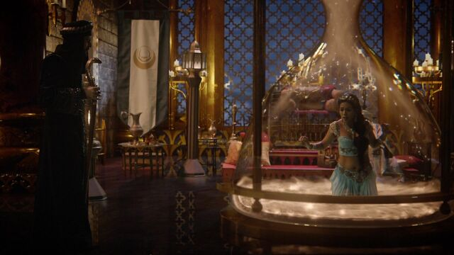File:Once Upon a Time - 6x05 - Street Rats - Jasmine in Sandglass.jpg