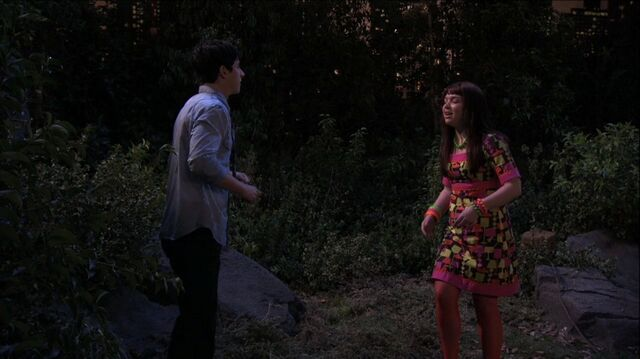 File:Wizards of Waverly Place - 3x26 - Moving On - Justin and Harper.jpg