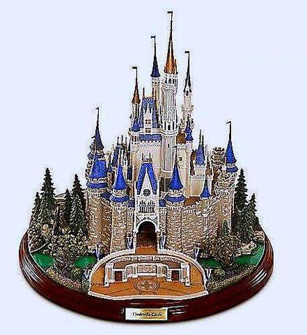 File:Cinderella's Castle Statue.jpg