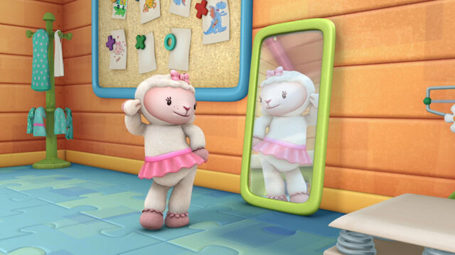 File:Lambie sees her reflection.jpg