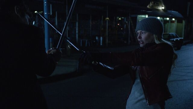 File:Once Upon a Time - 6x21 - The Final Battle Part 2 - Emma Swordfight.jpg