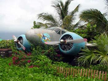 File:Castaway-Cay-airplane.jpg