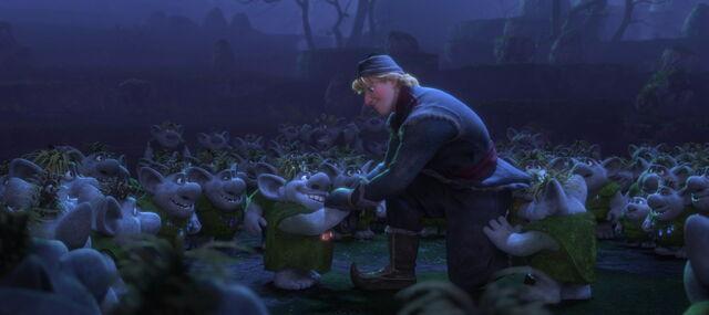File:Frozen-disneyscreencaps.com-7592.jpg
