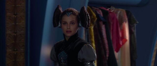 File:Starwars2-movie-screencaps.com-3240.jpg