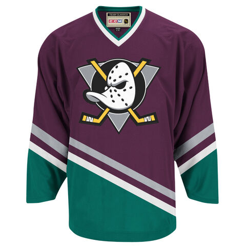 File:The Mighty Ducks team outfits 1.jpg