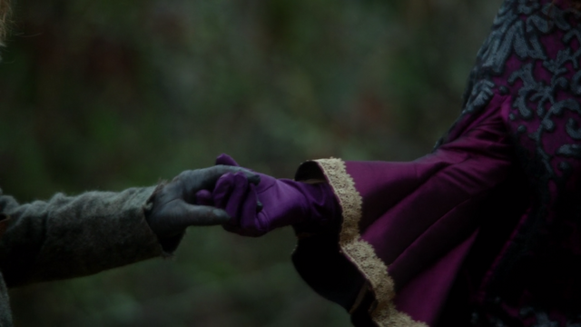 File:Once Upon a Time - 5x19 - Sisters - Cora Zelena Hands.png
