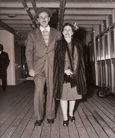 File:Walt y Lillian.jpg