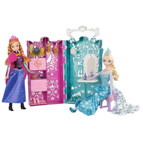 File:Frozen Anna and Elsa's Royal Closet.jpg