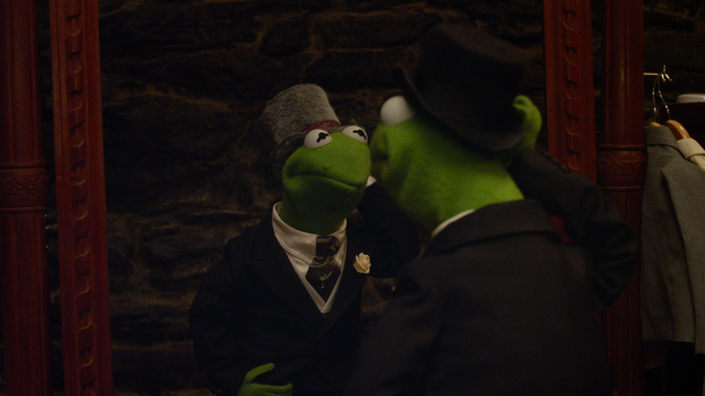 File:Muppets Most Wanted mirror gag.png