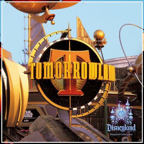 File:Tomorrowland DL Diamon Celebration.jpg