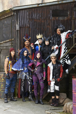File:635646919229445850-DESCENDANTS-DISNEY04.JPG