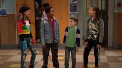 Raven's Home - 1x01 - Baxters Back! - Nia, Booker, Levi and Tess