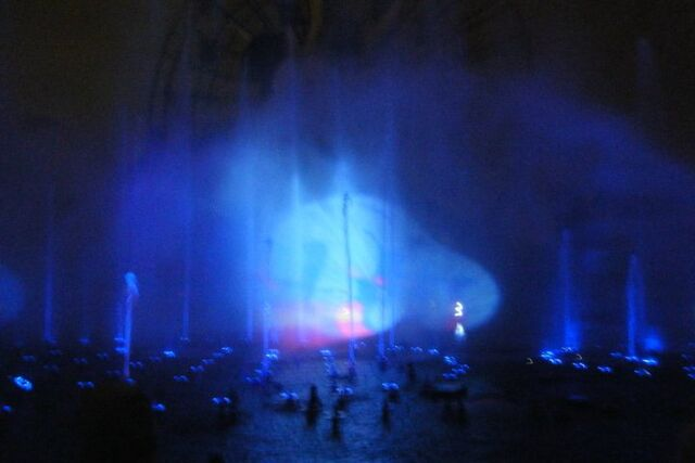 File:Genie at World of Color.jpg