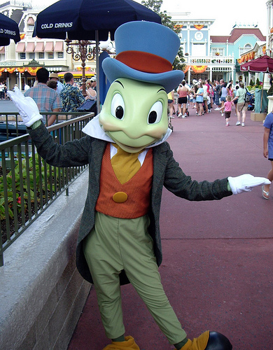 Image Jiminy Cricket at Magic Kingdomjpg Disney Wiki FANDOM